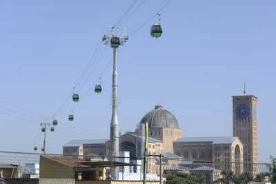 Os 47 bondinhos operam com capacidade para transportar até 1500 passageiros por hora.
