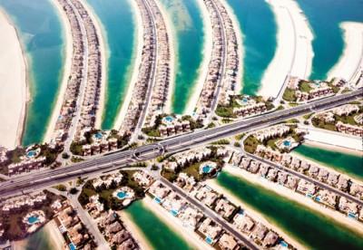 Nos arquipélagos artificiais Palm Islands e The World estão hotéis, resorts e  condomínios luxuosos