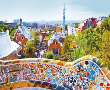 Os mosaicos coloridos de Gaudí no Parque Güell.