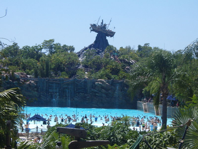 800px-WDW_Typhoon_Lagoon_Surf_Pool