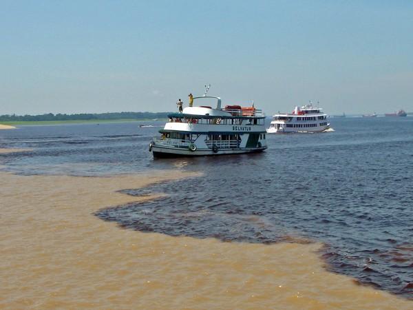 encontro-das-aguas-rio-negro-solimoes-manaus-600x450