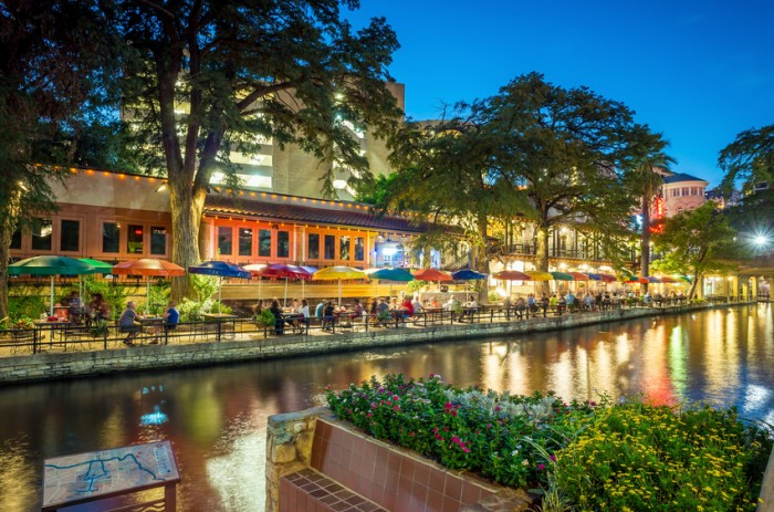 SAN ANTONIO, TEXAS, USA - SEP 28: Section of the famous Riverwalk on September 28, 2014 in San Antonio, Texas. A bustling place with many restaurants and bars.