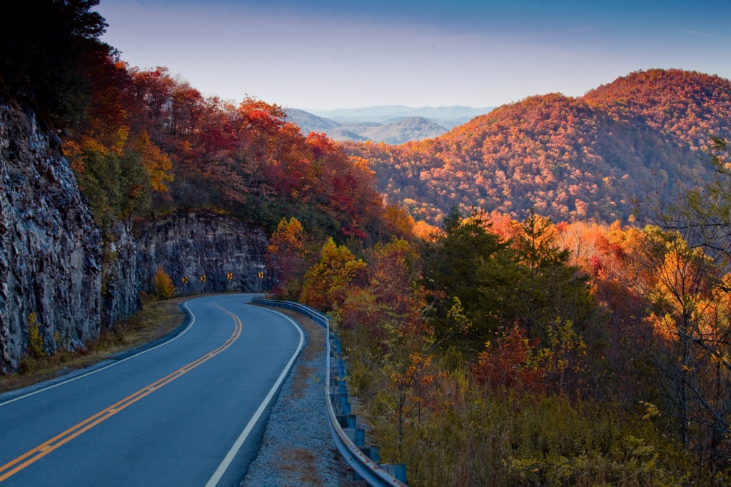 HogPen Gap Overlook - Hwy 348