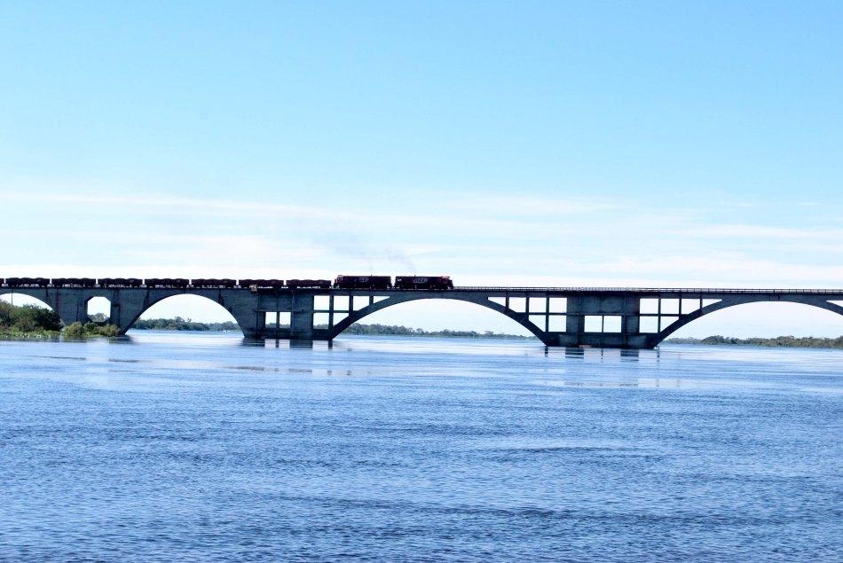 232-ponte-eurico-gaspar-dutra Foto por pmcorumba.com.br