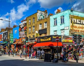 Camden_Town_Streetcorner_--_2015_--_London,_UK commons