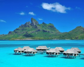 DL2A_Four_Seasons_Bora_Bora commons