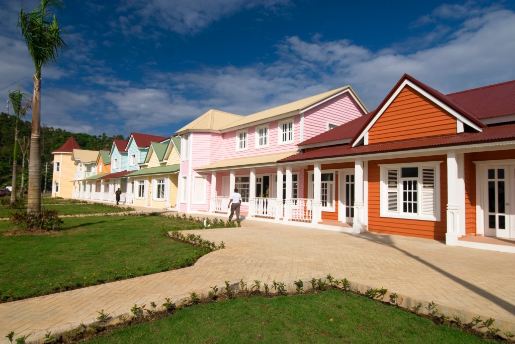 Painted+new+houses-924753866-O