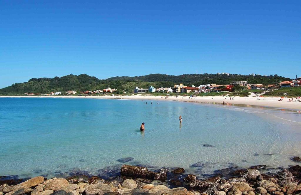 Quatroilhas bombinhas sc curtir as férias no brasil