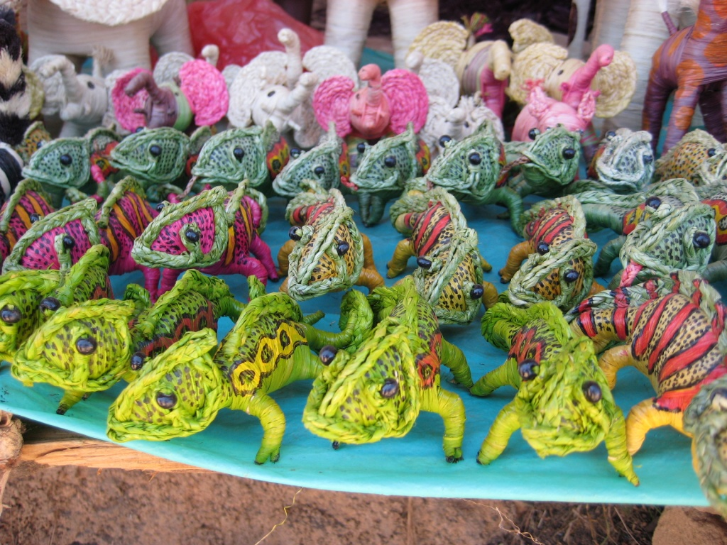 Raffia_animals_created_by_artisans_in_Madagascar commons
