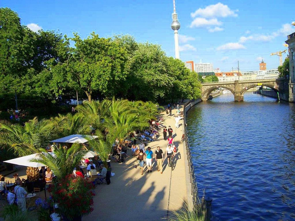 River_Spree_Berlin_Germany commons