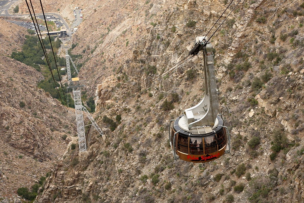 1024px-Palm_springs_aerial_tramway commons[