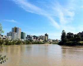 640px-Blumenau_center_from_Itajai-Acu_river