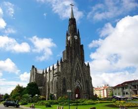640px-Catedral_Nossa_Senhora_de_Lourdes
