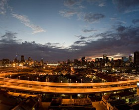640px-Johannesburg_Sunrise,_City_of_Gold