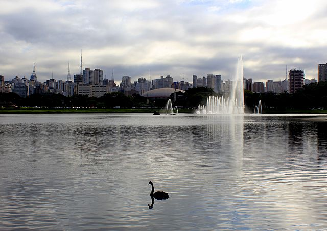 640px-Vista_do_lago_do_Parque_do_Ibirapuera