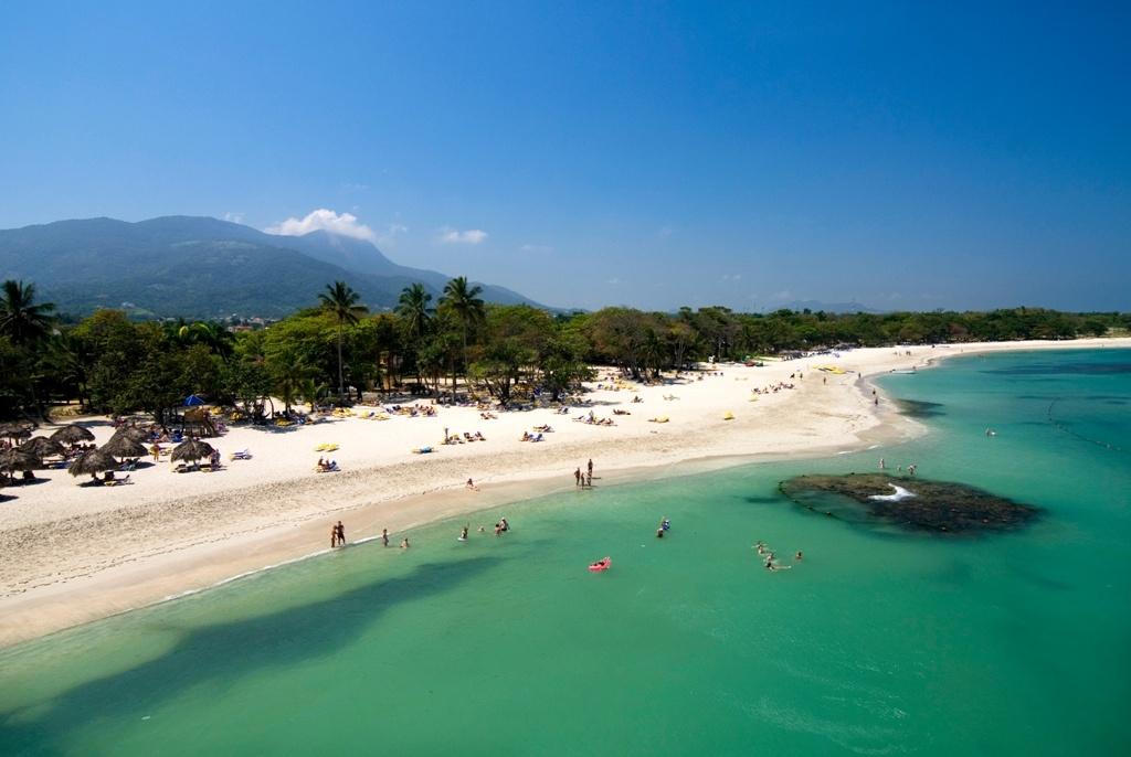 Beach+in+Costa+Dorada-924788699-O