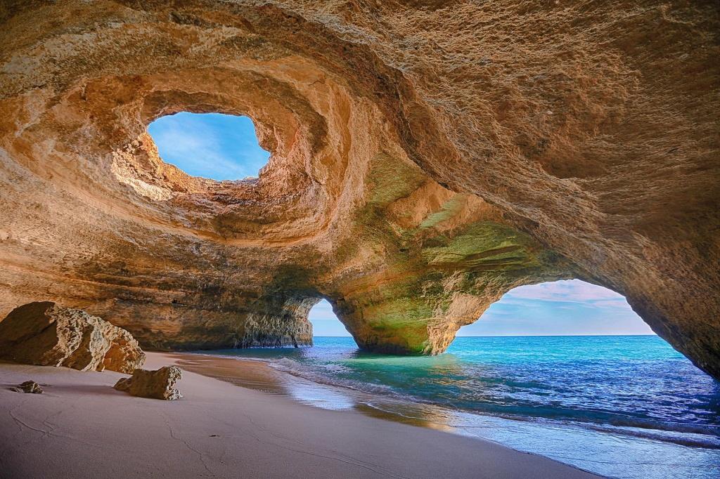 Benagil_Cave,_Algarve