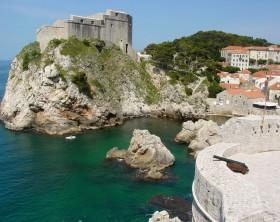 Dubrovnik_Harbor_from_City_Walls_-_Old_City_-_Dubrovnik_-_Croatia commons