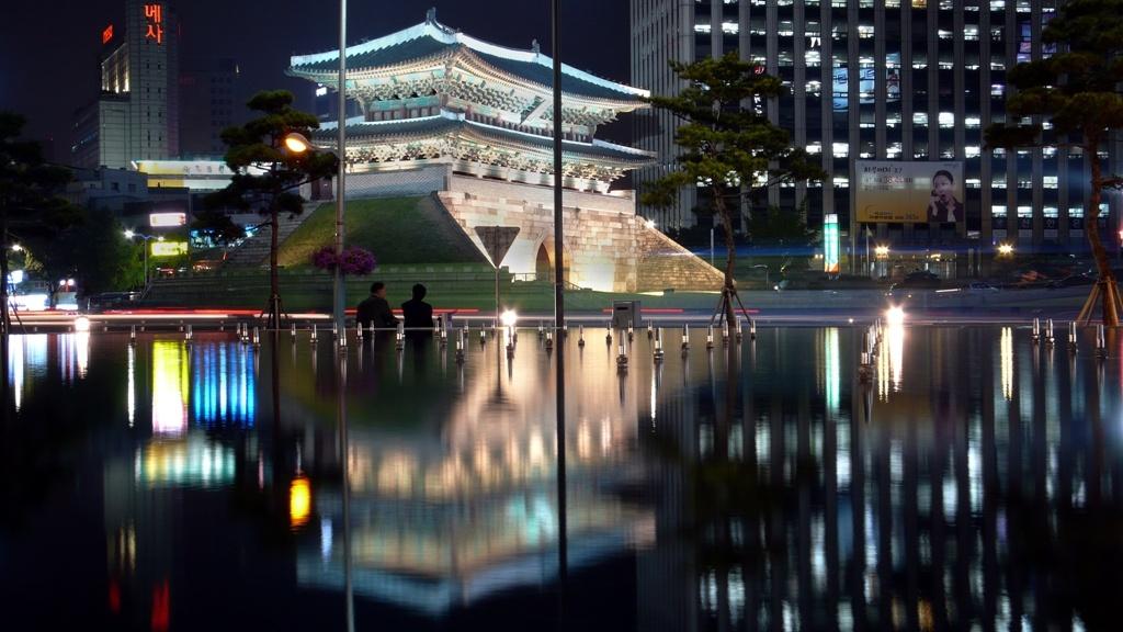Korea-Seoul-Namdaemun-Sungnyemun-16 commons