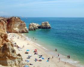 Praia_da_Rocha,_Portimão_2 algarve portugal commons