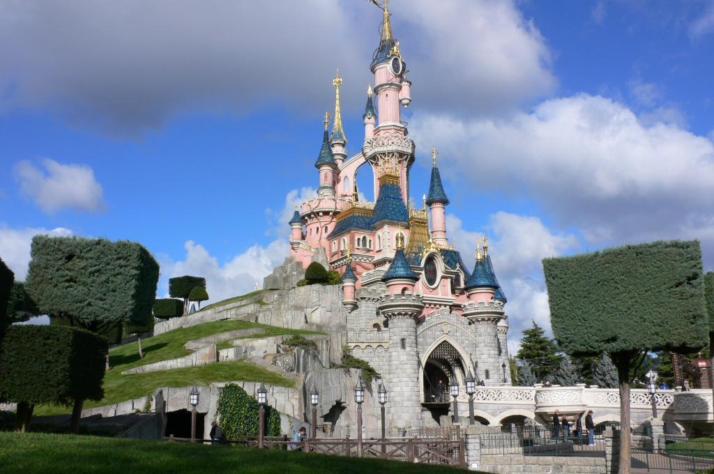 Sleeping_Beauty_Castle,_Disneyland,_Paris
