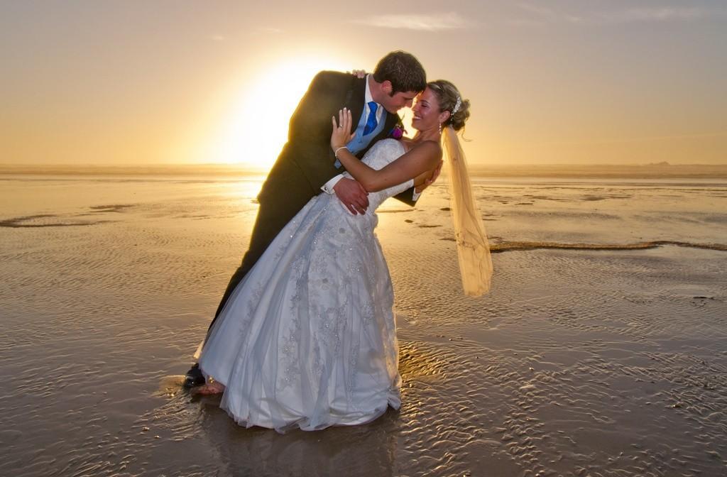 Wedding_on_the_Beach_Modern_Art_Photograph commons