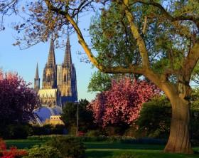 koeln_rheinpark_und_dom_panthermedia_00682011_RET