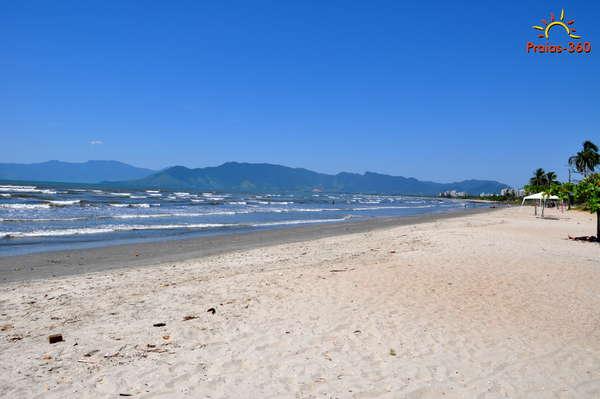 Foto via praias-360.com.br