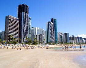 1200px-Boa_Viagem_(2)_-_Recife_-_Pernambuco,_Brasil