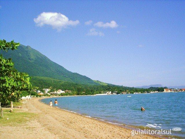 Foto via guialitoralsul.com