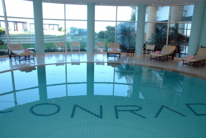 piscina conrad