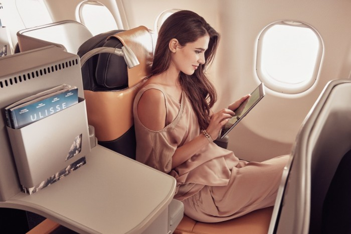 Business_Class_Woman_withTablet