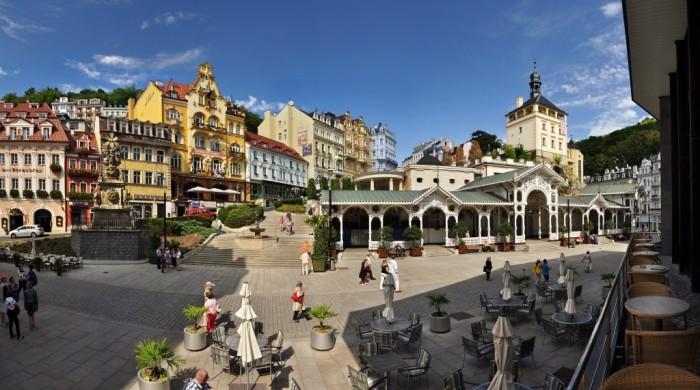 Karlovy Vary e sua colunata de madeira - Foto Ladislav Renner