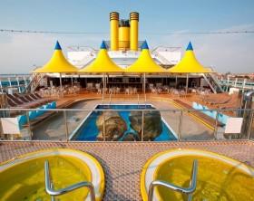 284806_608786_Area_da_piscina_do_costa_luminosa
