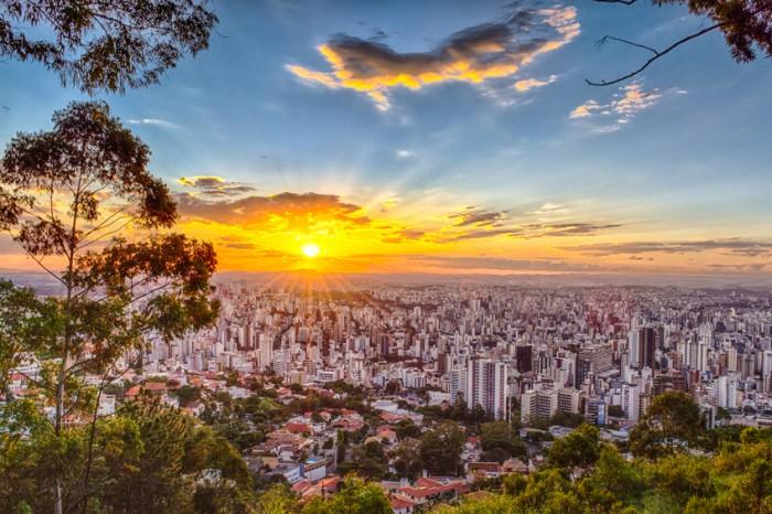 Por do sol no mirante do bairro Mangabeiras, Belo Horizonte - MG, Brasil.