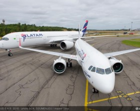 02_4th LATAM A350 XWB and 1st LATAM A320neo deliveries in TLS
