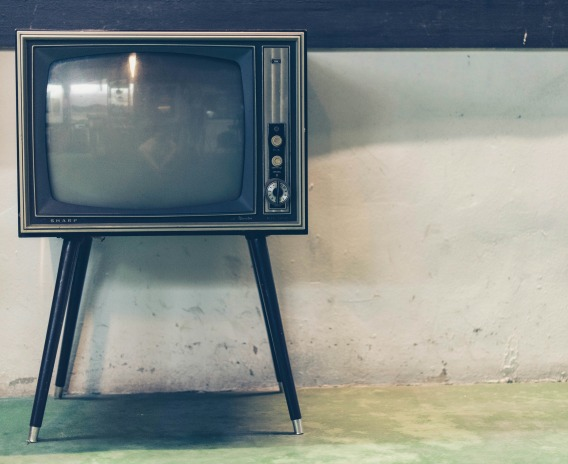 10-best-TV-shows-to-learn-English-with_square
