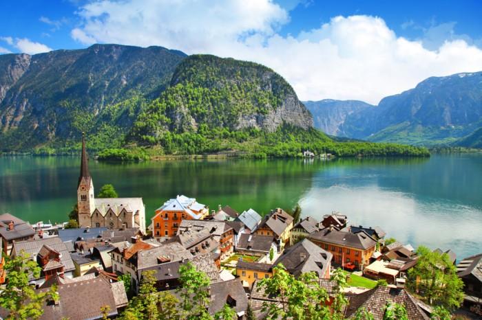 Pretty Austrian village on lake