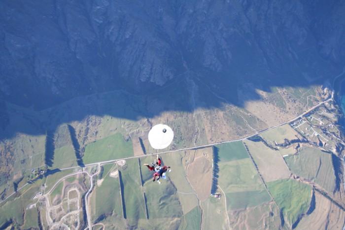 Sky diving in New Zealand