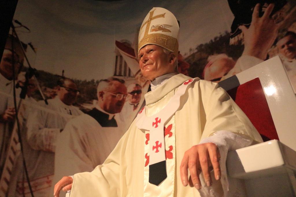 João Paulo II homenageado no Museu de Cera