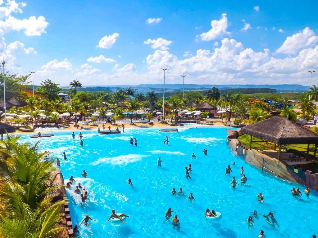 Conhe a o thermas water park parque aqu tico em s o pedro for Olimpia piscina de onda