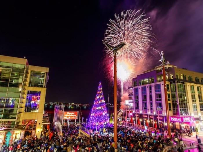 national_harbor_fireworks_and_christmas_tree_lighting_credit_national_harbor