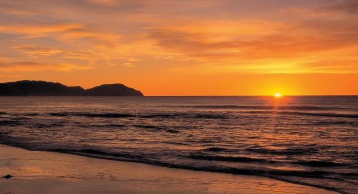 wainui-beach-eastland-credito-tourism-eastland-inc