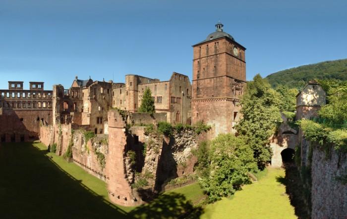 Heidelberger Schloß mit Ruprechtsbau, Hirschgraben, Torturm und Gefängnisturm