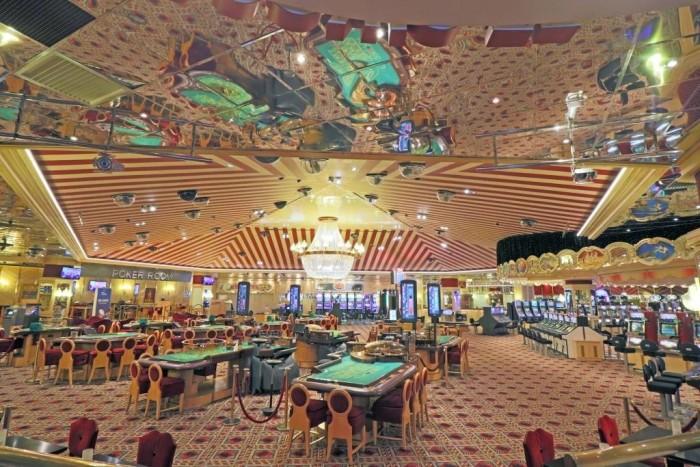sbm_sc_gambling_room_0003