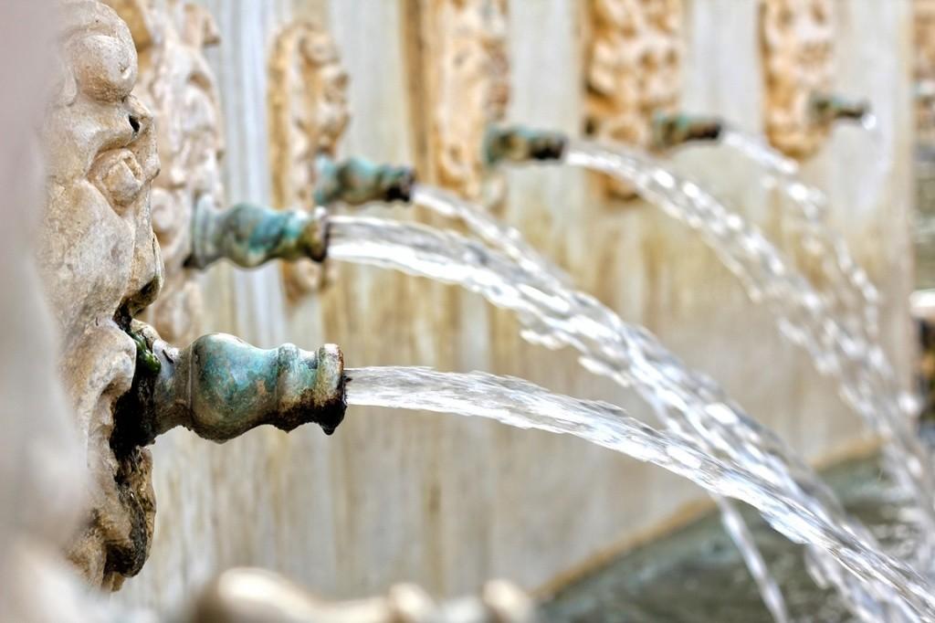 como-economizar-com-agua-em-uma-viagem-na-europa