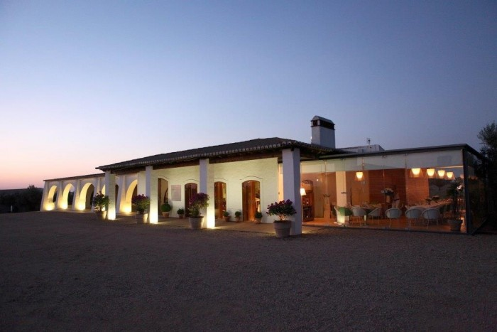 fachada-do-hotel-herdade-da-malhadinha-nova-alentejo_credito-divulgacao-turismo-do-alentejo