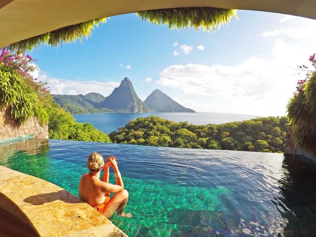 Piscina do meu quarto no Jade Mountain com vista para os Pitons | Créditos: Lala Rebelo