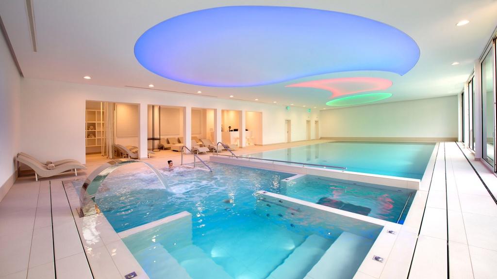 piscina-do-hotel-the-view-lugano-na-suica_divulgacao-the-view-lugano