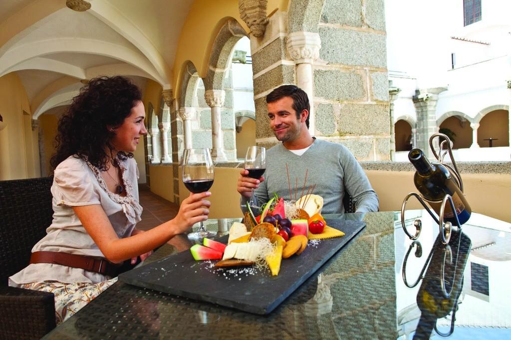 prova-de-vinhos-no-alentejo_credito-divulgacao-turismo-do-alentejo